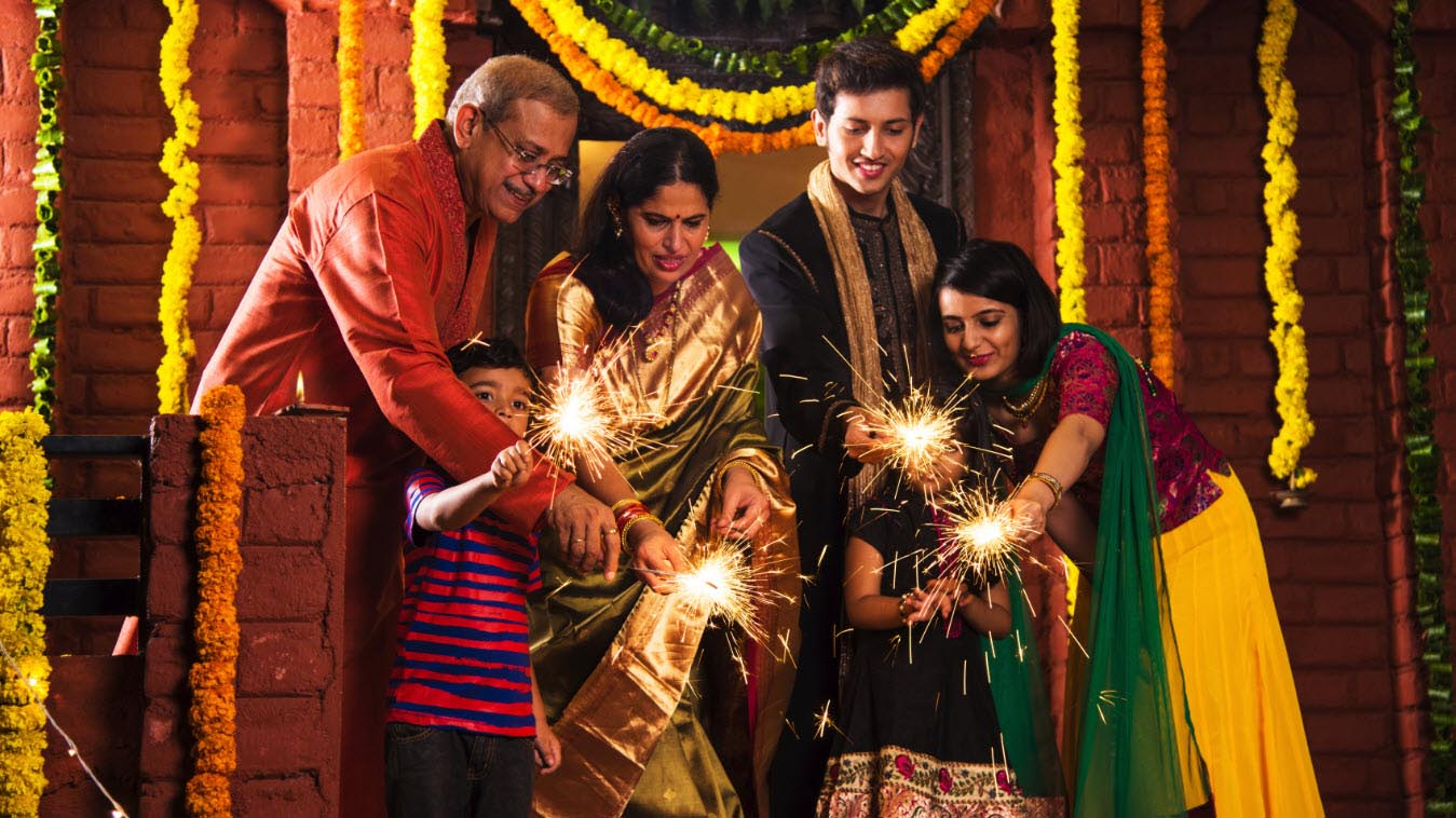Familia india en el Diwali